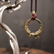 "Argent Gream×Mr.CASANOVA ""SWALLOW GLASS HOLDER NECKLACE"" / Brass / Synthetic Ruby"